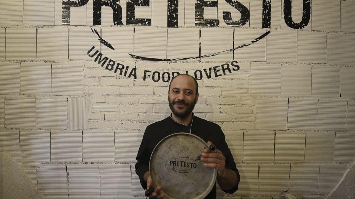 Pretesto milan street food torta al testo pan