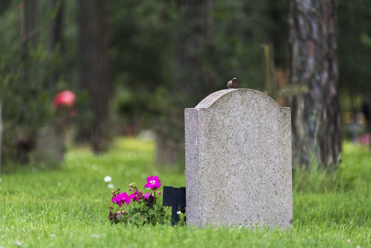 Skogskyrkogarden stockholm grave