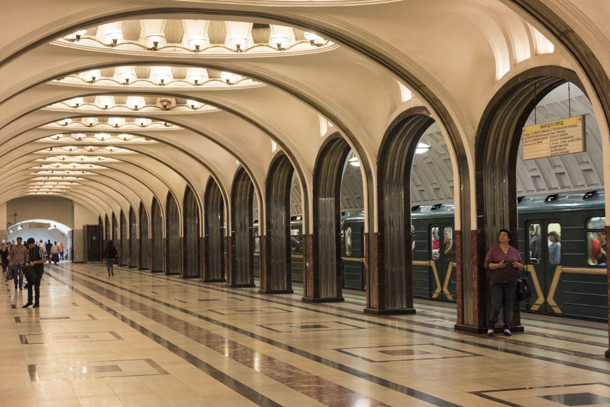 moscow-metro-arches