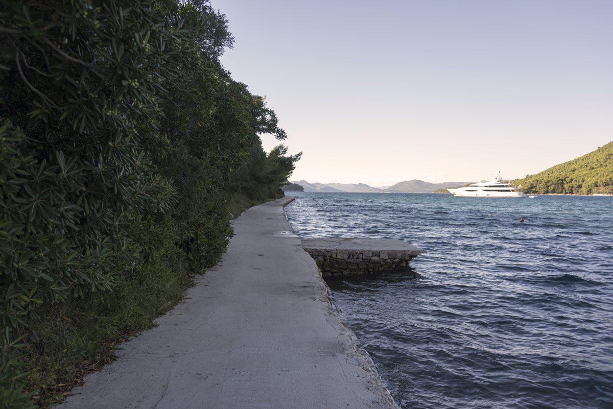 sipan-island-croatia-sipanska-path