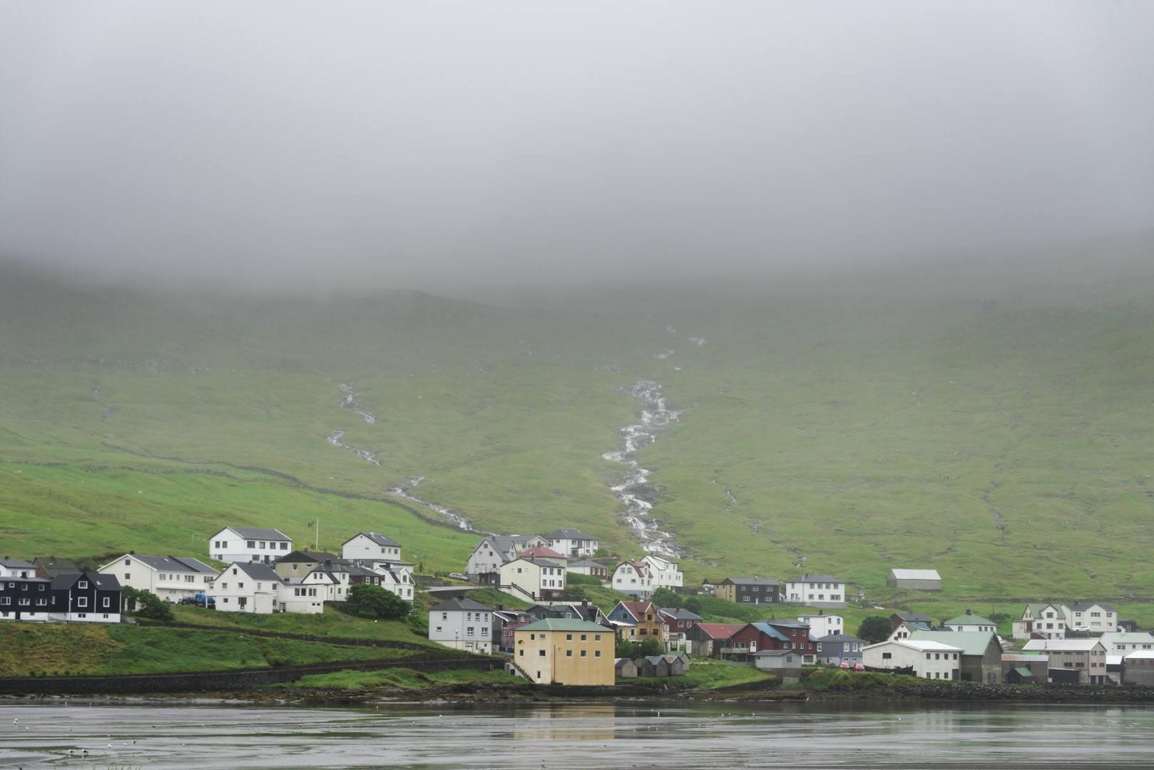 faroe sorvagur village fog