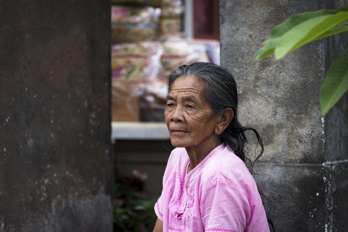 local bali woman penglipuran