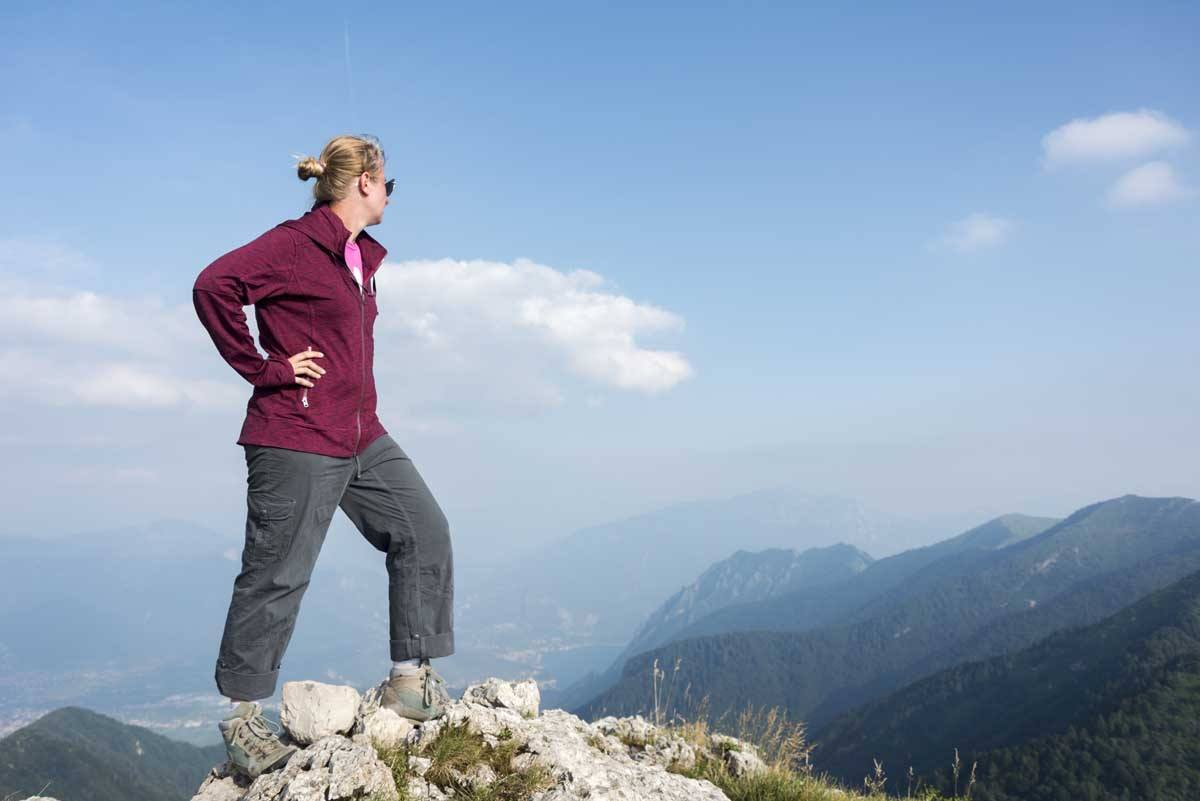 garda mountain trekking girl