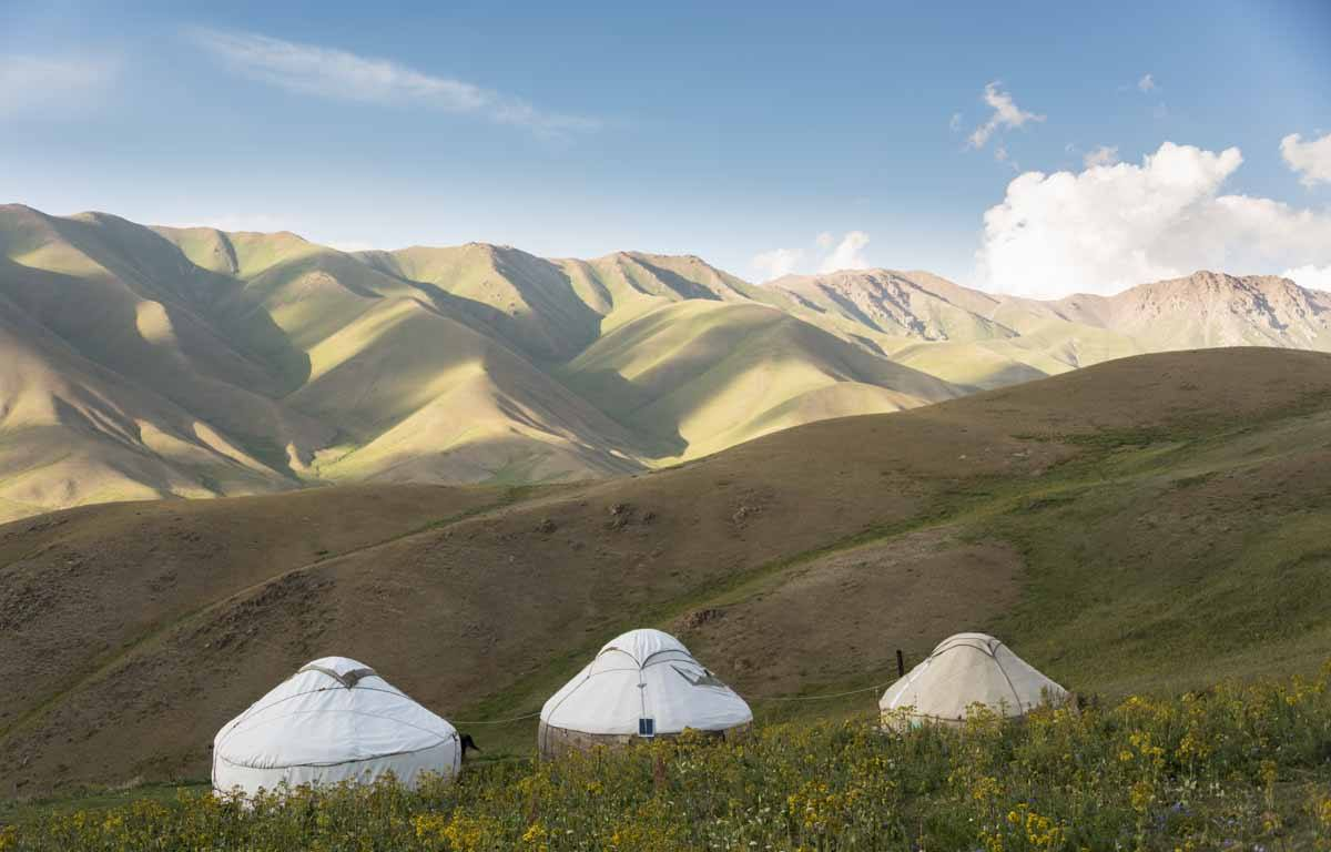 things to do in kyrgyzstan yurts