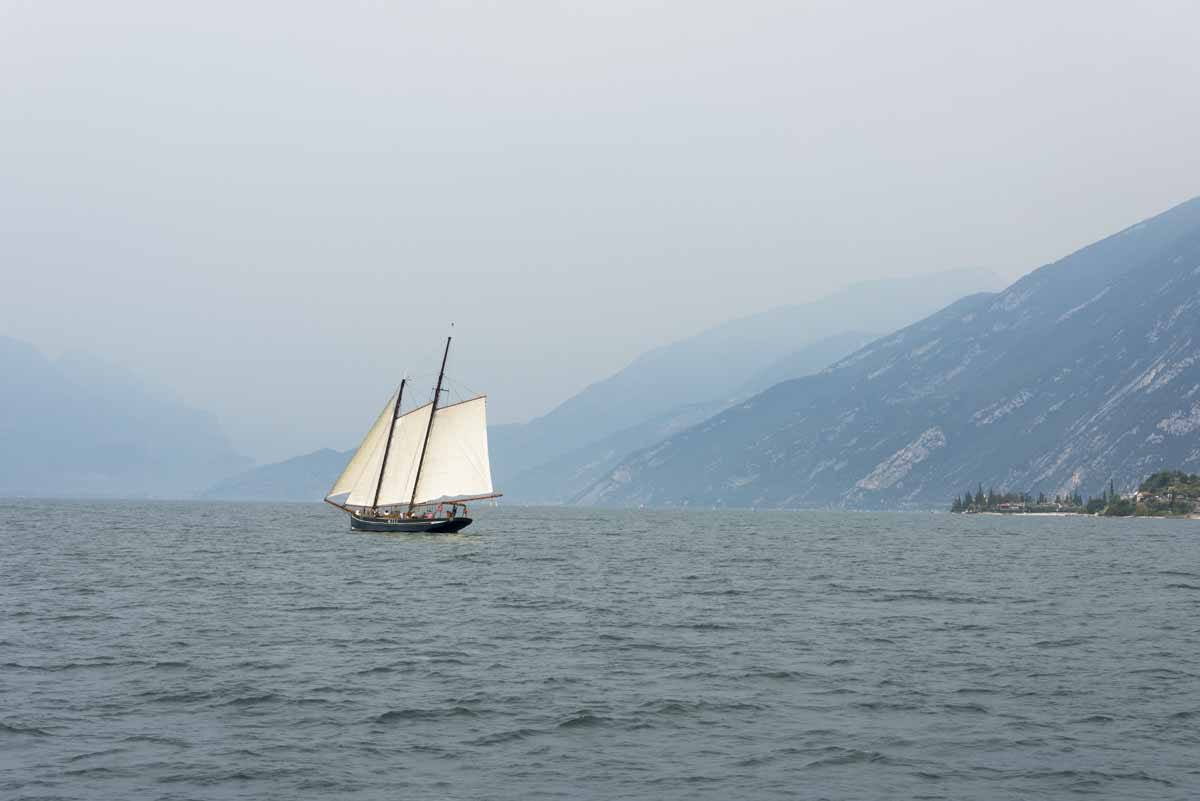 sailing lake garda autumn