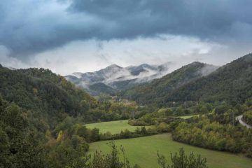 hiking pyrenees catalunya vall del bac