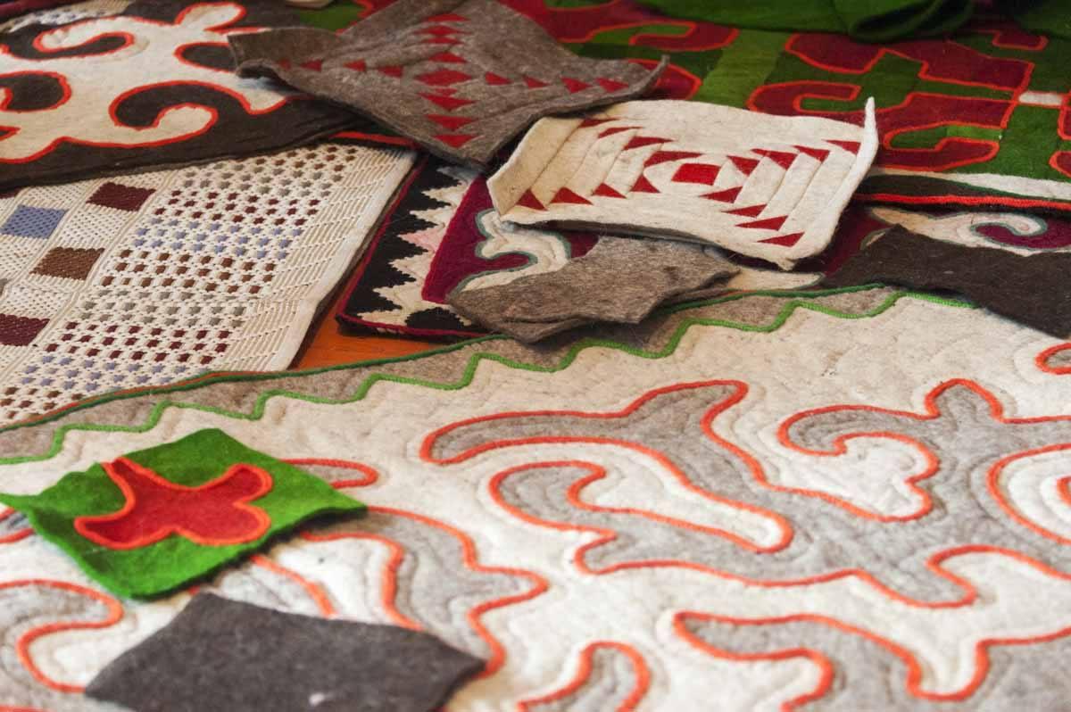 kyrgyzstan shyrdak carpets