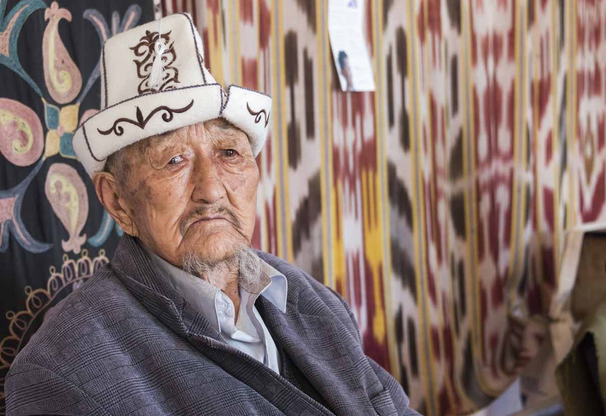 old man kyrgyzstan traditional ha