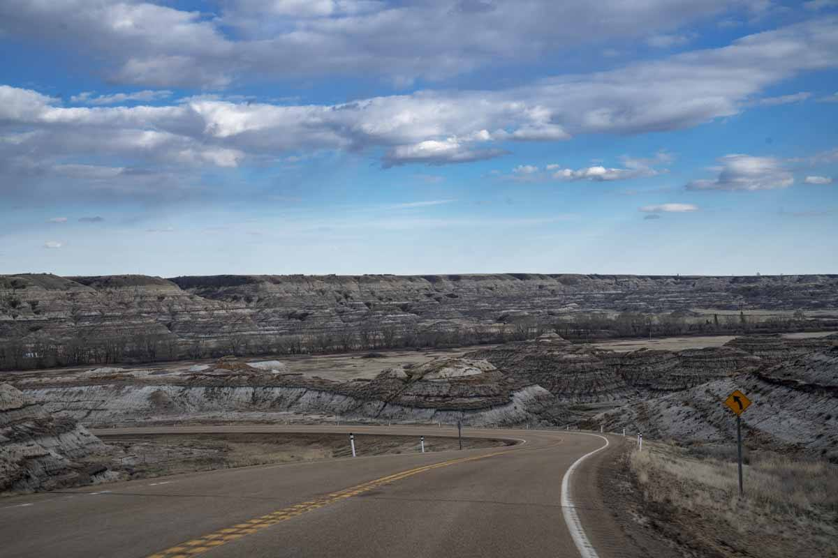 drumheller driving badlands alberta