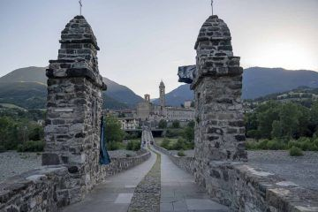 bobbio bridge sunset
