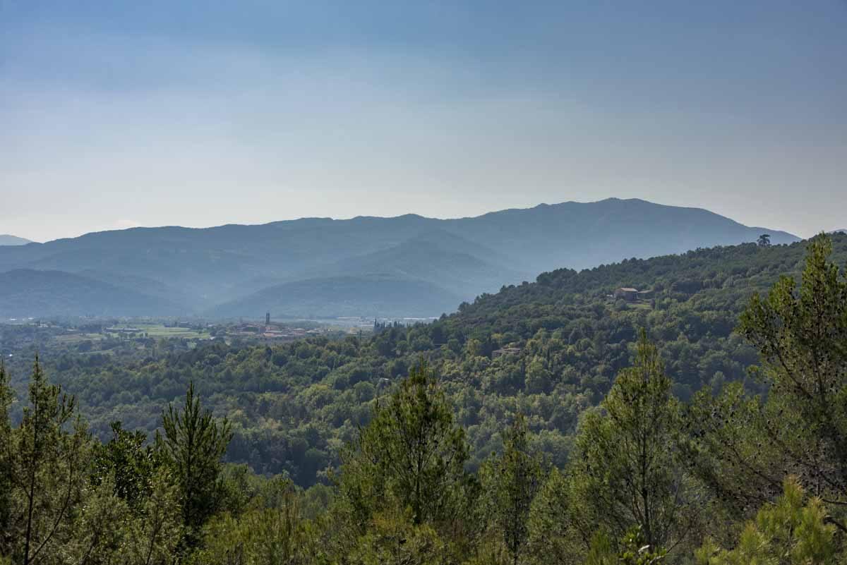 pyrenees girona hiking gr1