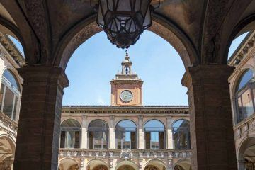 things to see in bologna archiginnasio