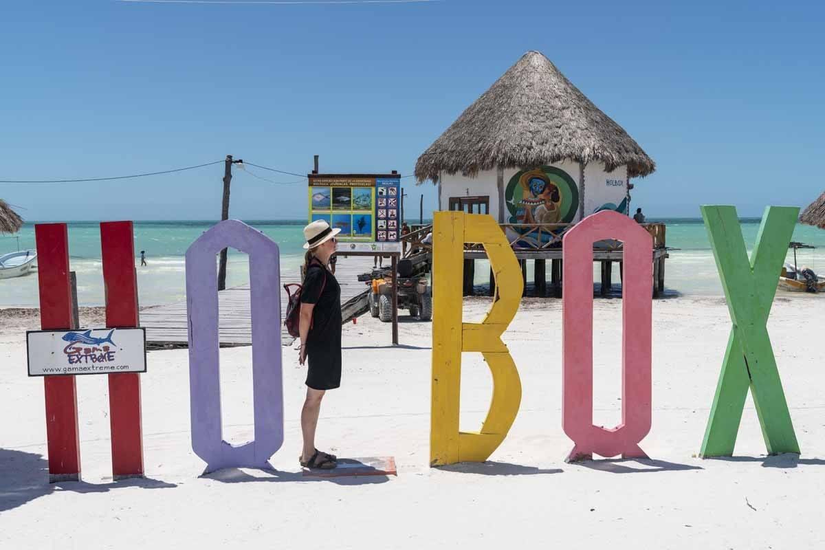 isla holbox sign