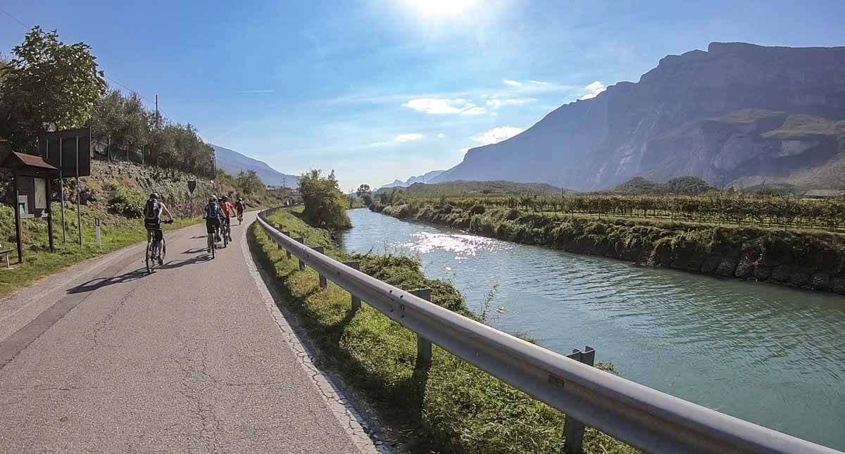 cavedine lake bike garda