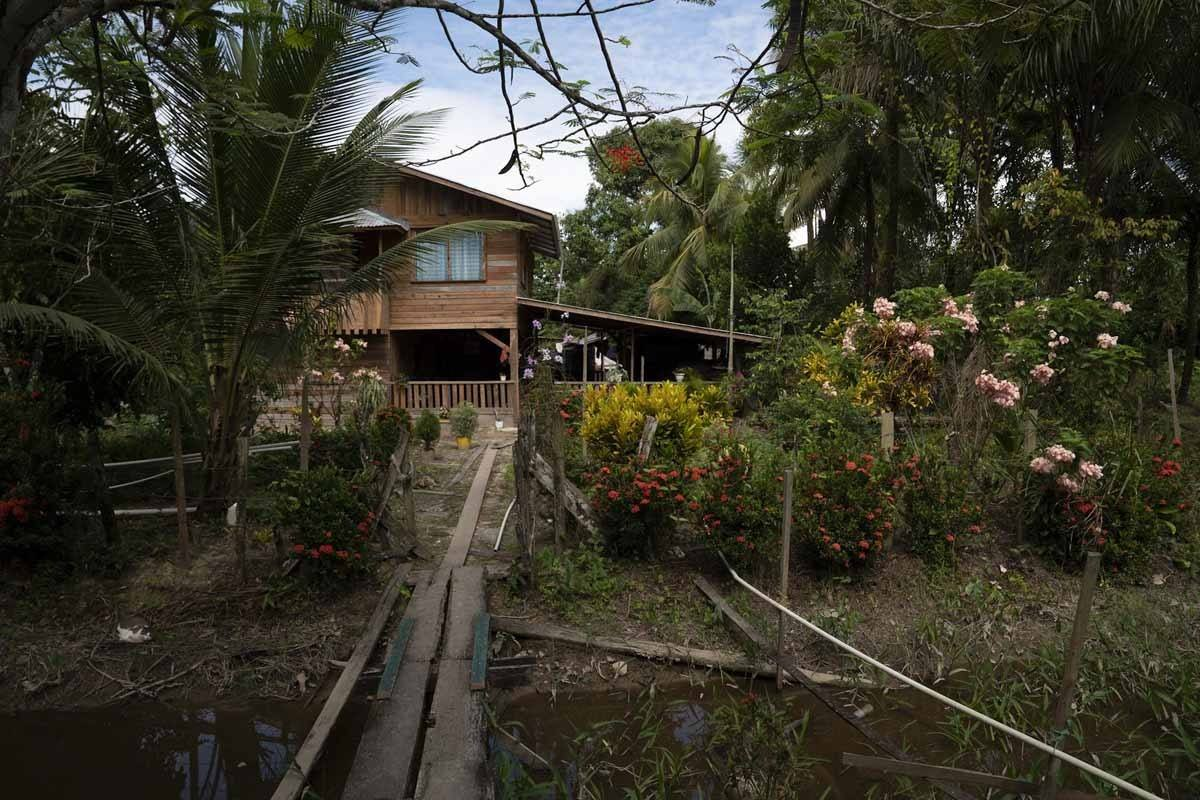 essequibo river fort island house