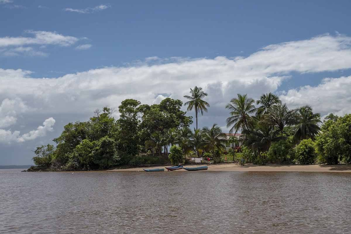 essequibo river resort island