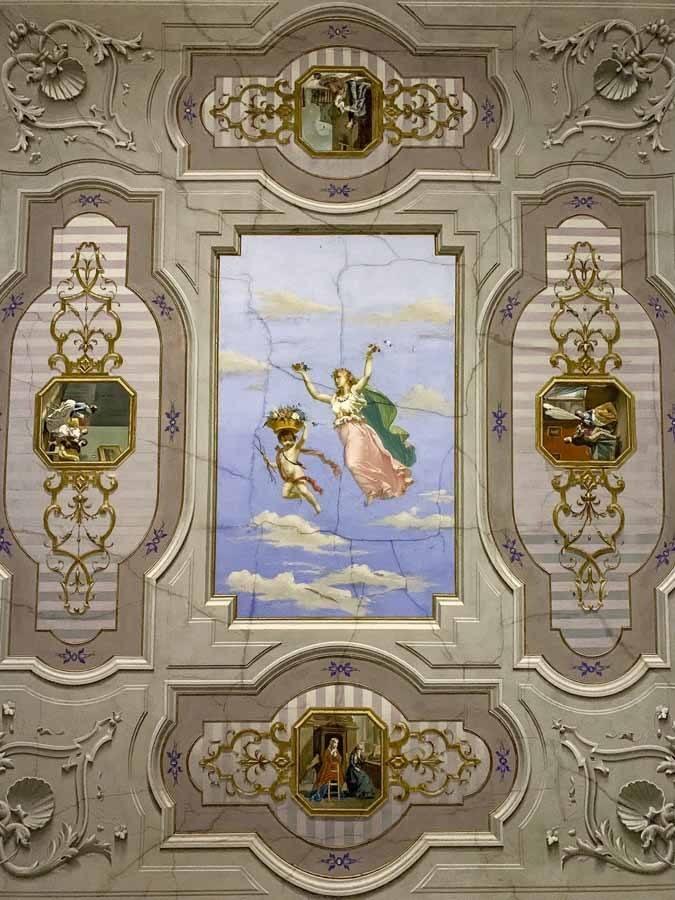 ceiling hotel regina arborea oristano
