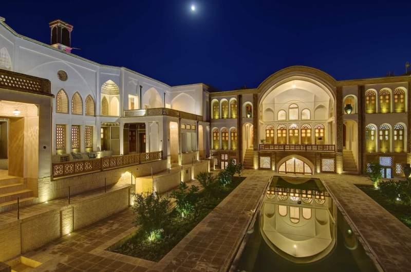 manouchehri-house-hotel-iran