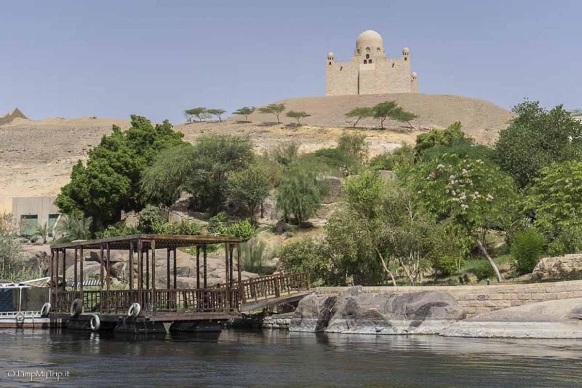mausoleum-aga-khan