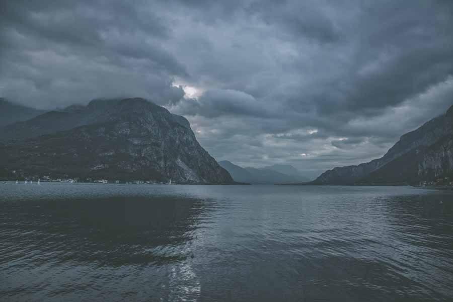 lake como moody sky