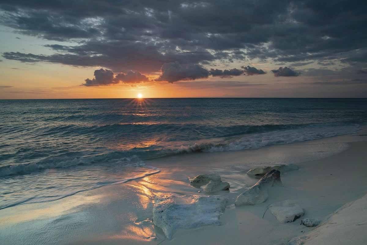 bahia de las aguilas sunset