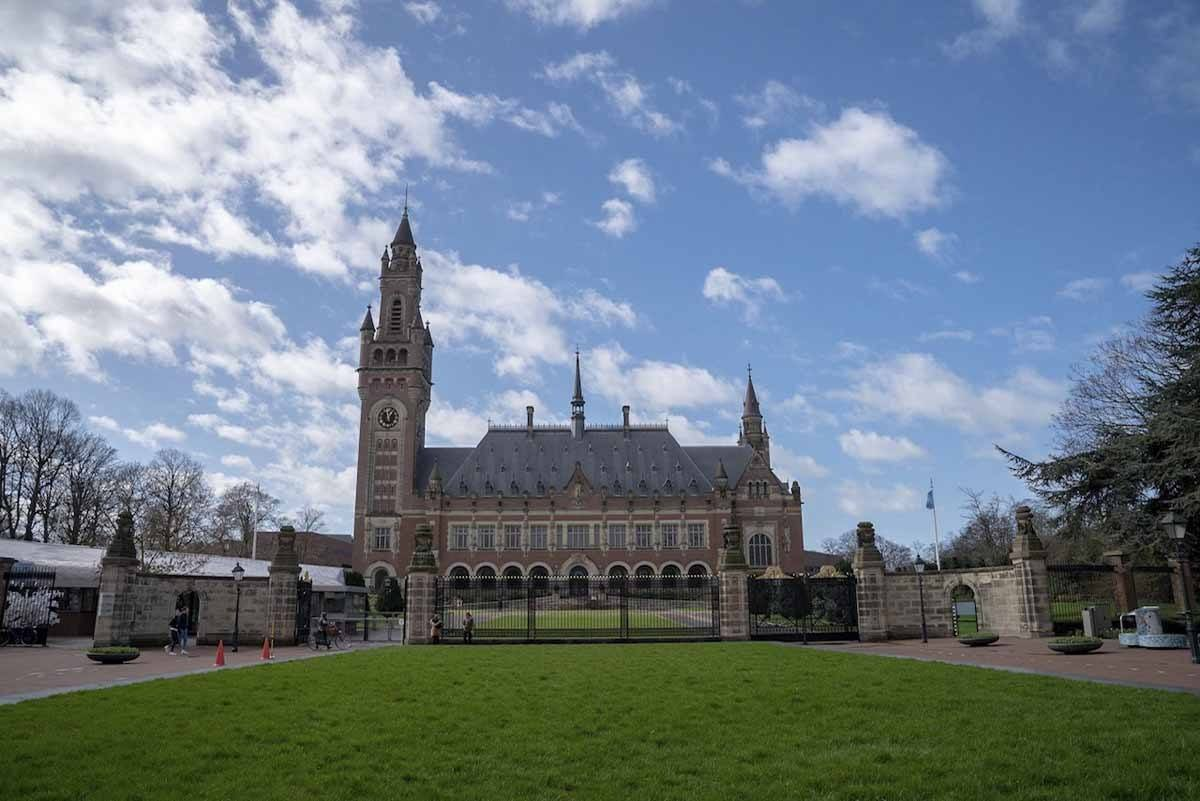 peace palace the hague outside