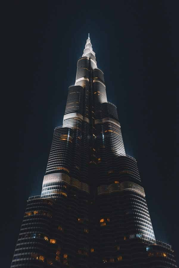 burj khalifa night vertical
