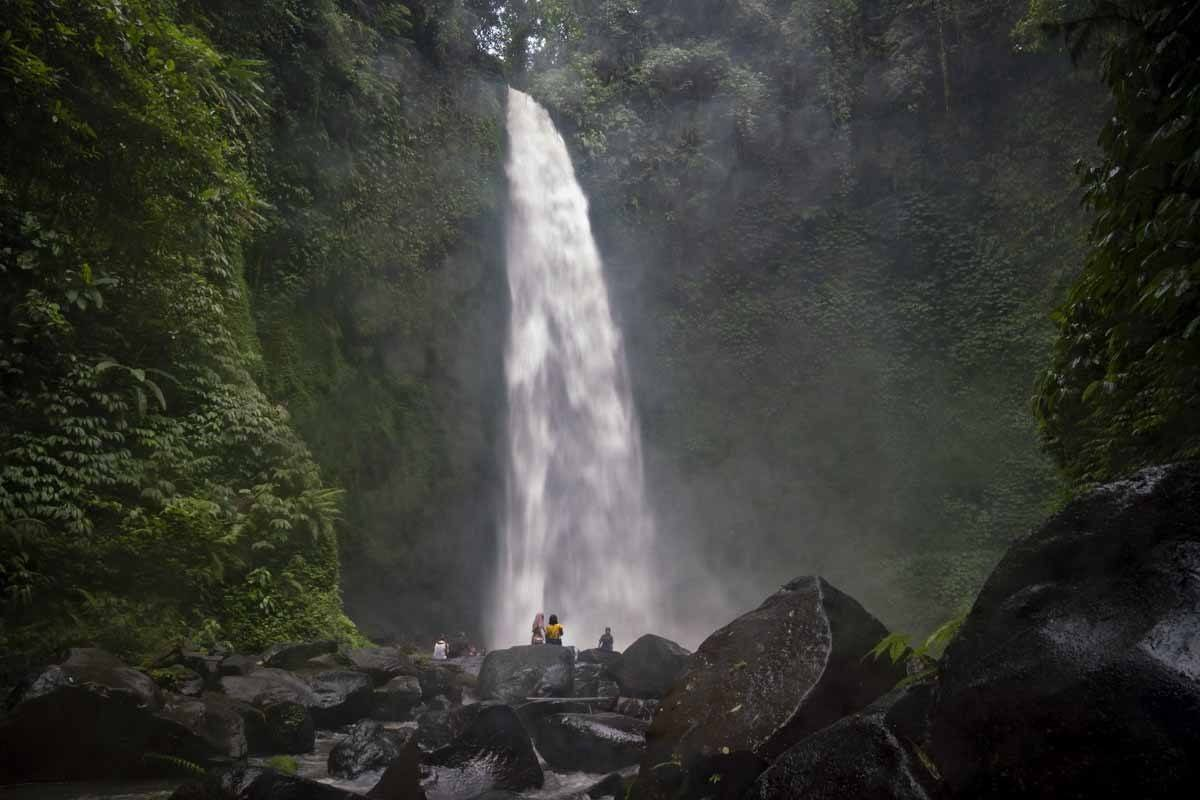 nungnung waterfall bali dark