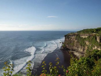 uluwatu cliff temple bali