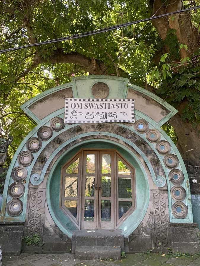 carved portal seminyak bali