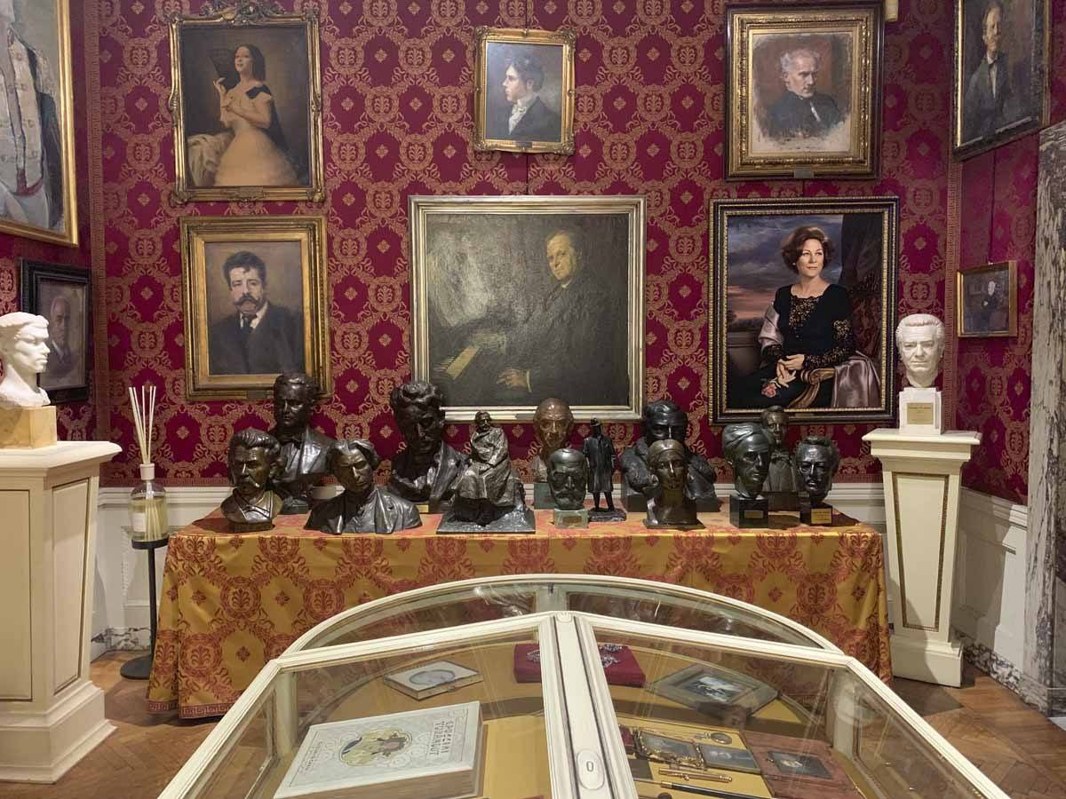 la scala museum composer busts