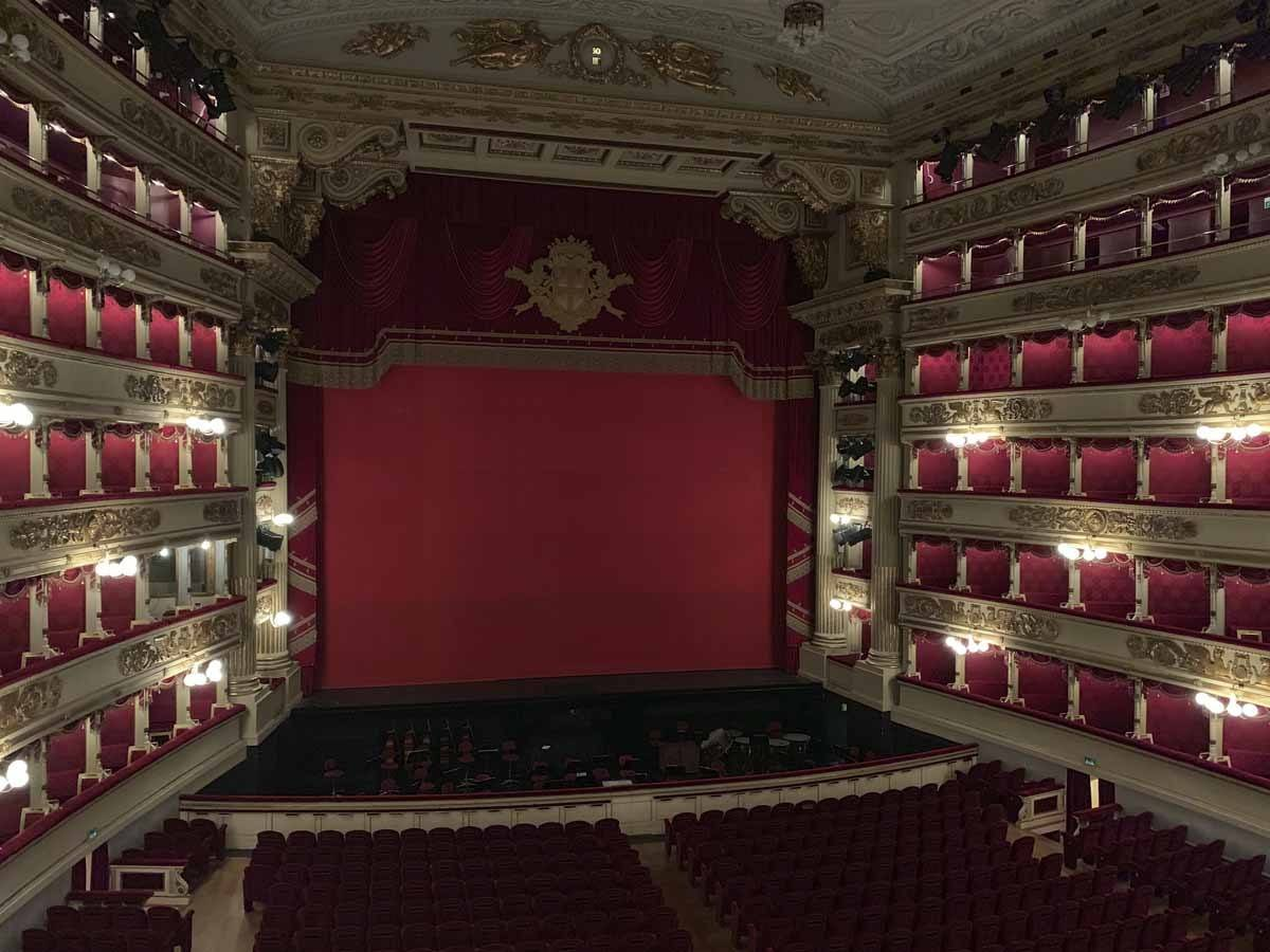 La Scala Museum In Milan A Shared Guided Tour The Crowded