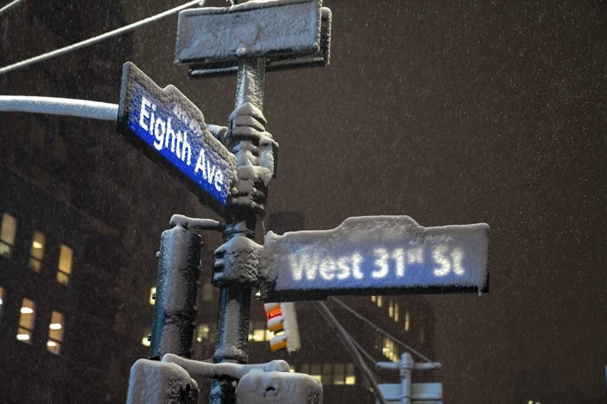 new york street signs snow