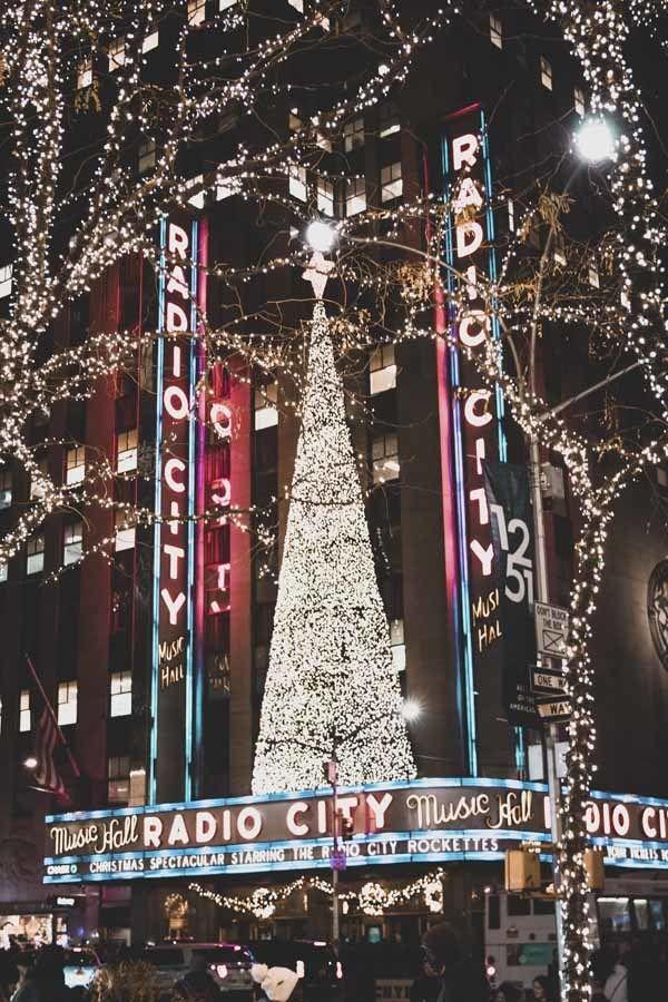 radio city christmas lights