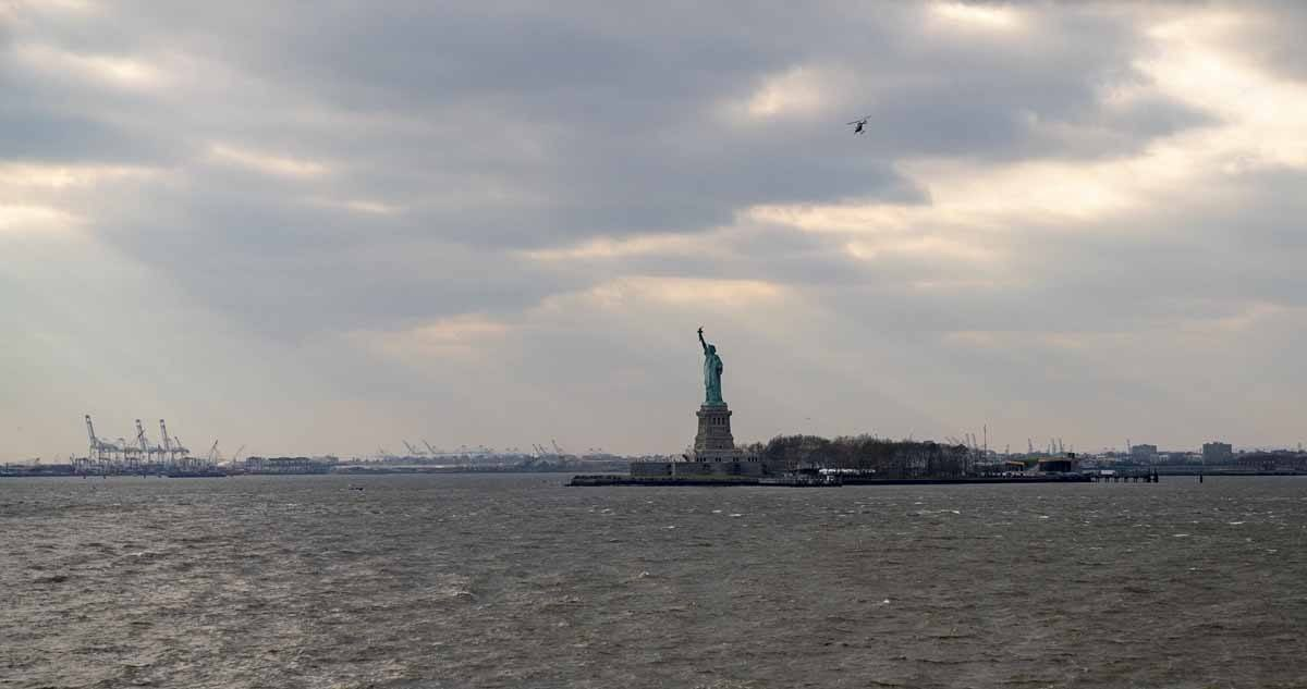 statue of liberty new york winter sky
