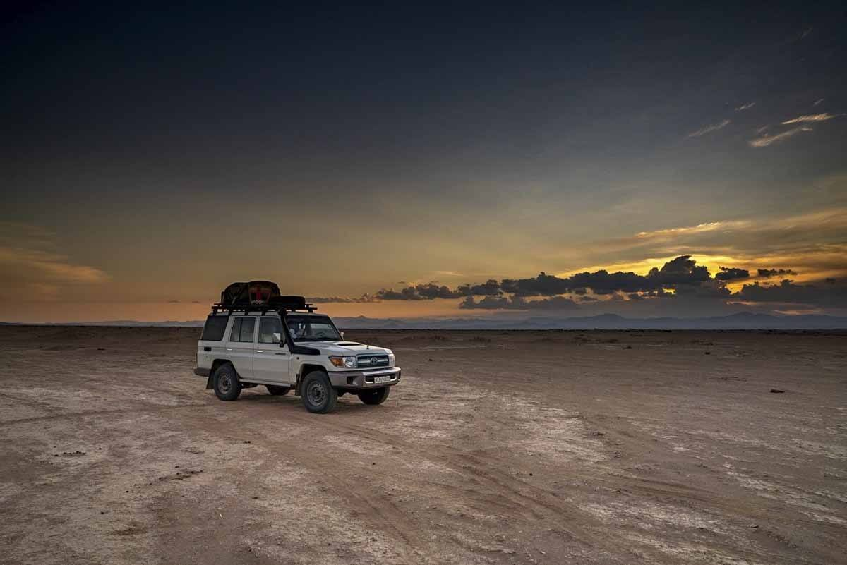 danakil depression sunset jeep