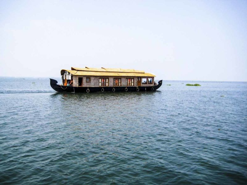 kerala backwaters boat