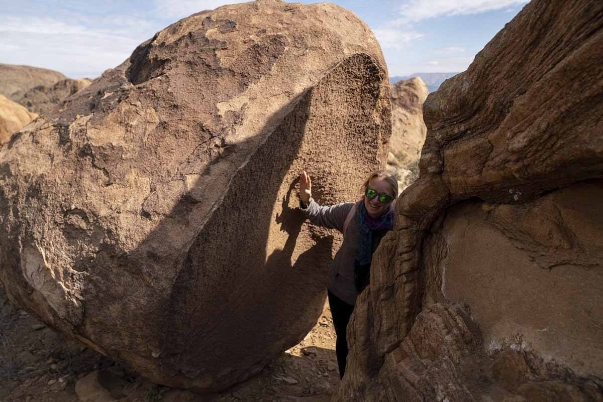 balancing rock desert closer