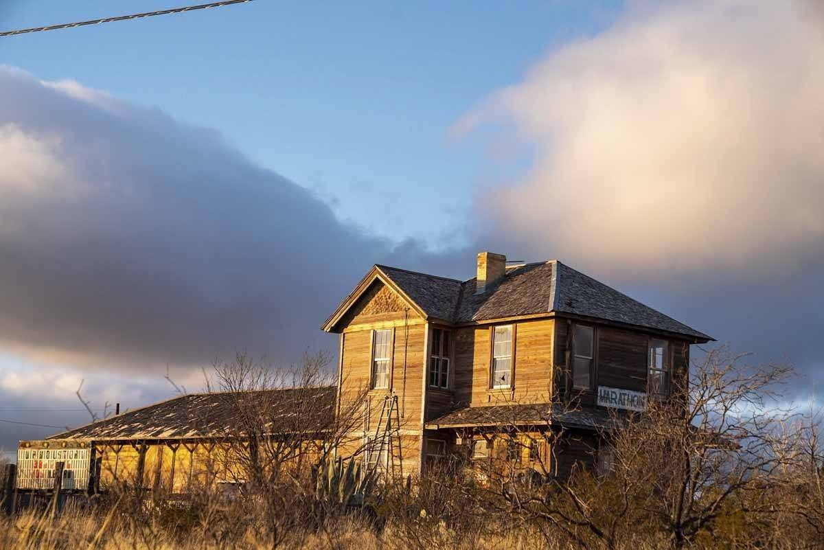 marathon texas abandoned house