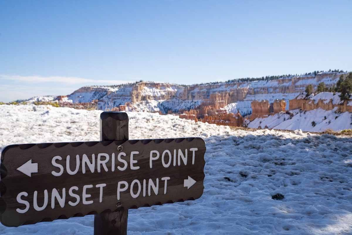 bryce canyon winter hiking sign