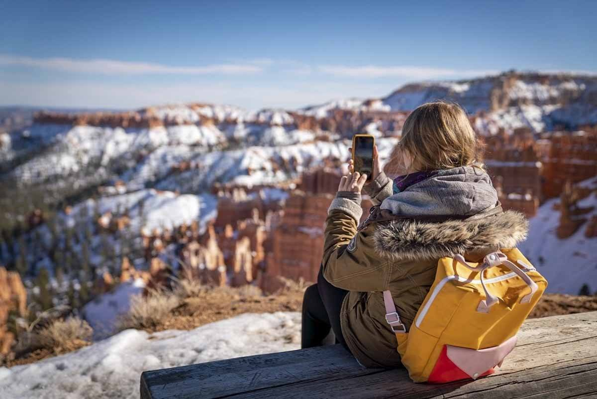 bryce canyon winter hiking