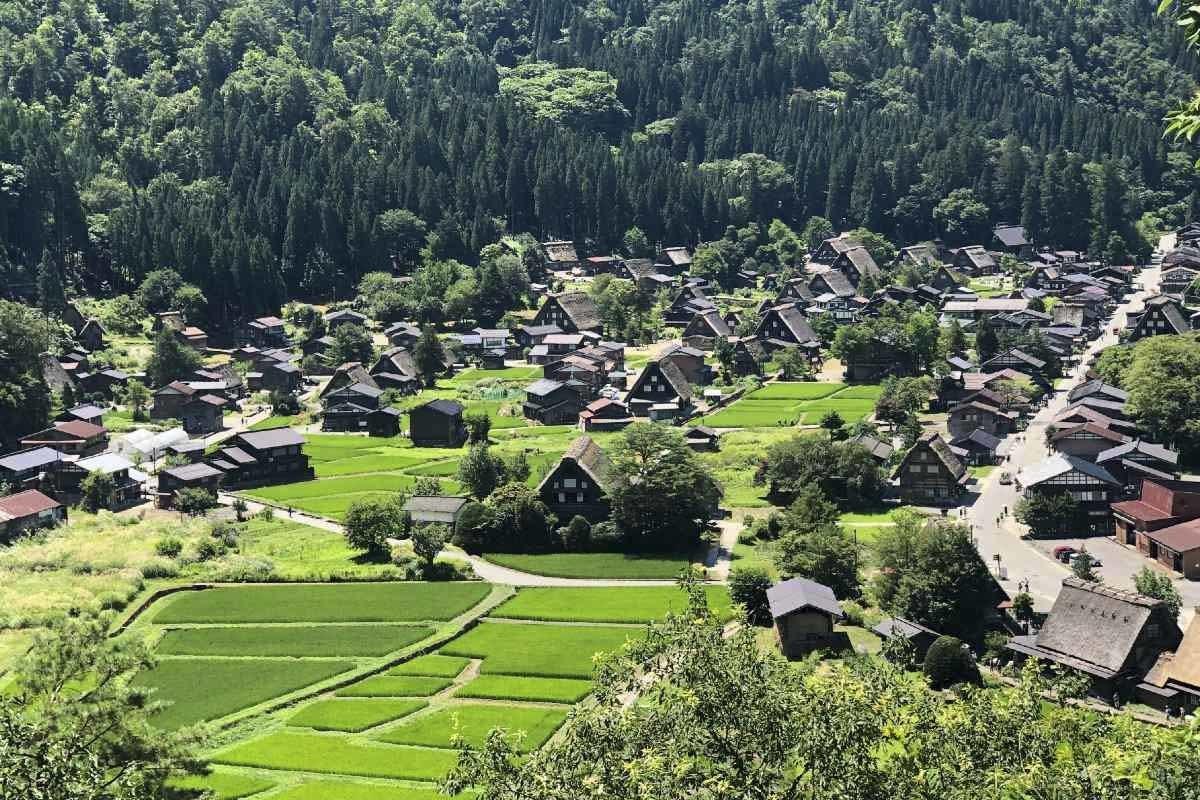 Visiting Shirakawa-go and Gokayama