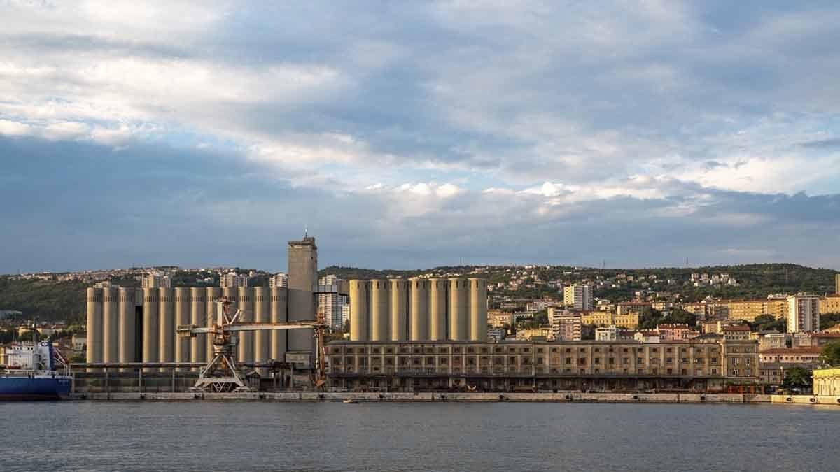 rijeka harbour view