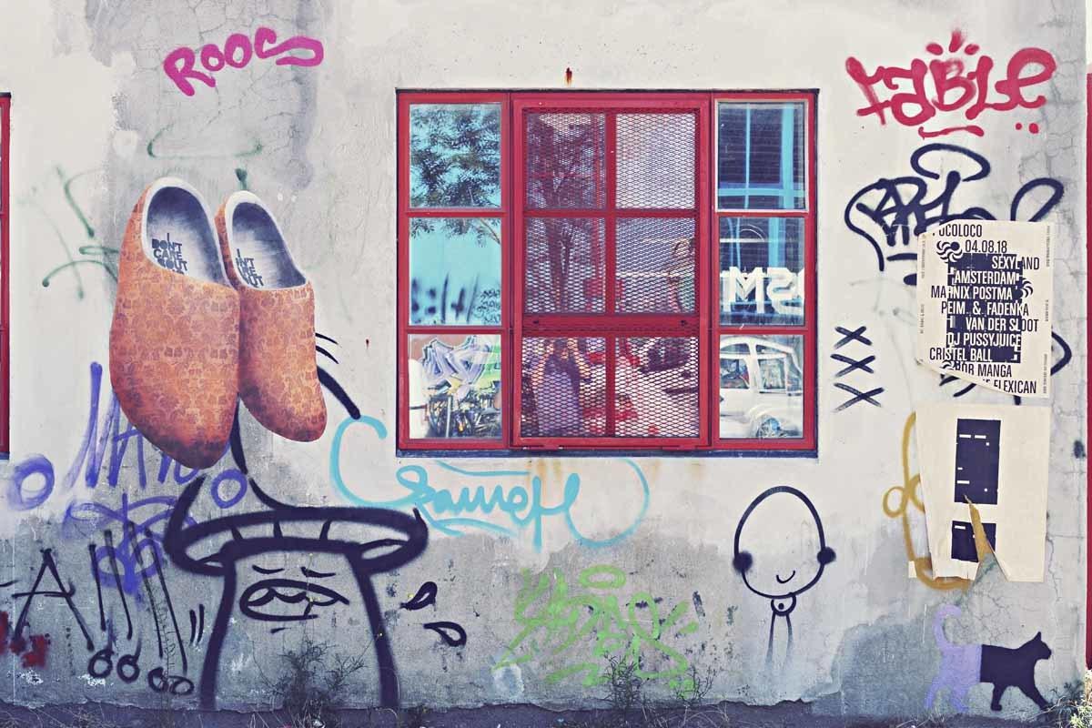 amsterdam clog graffiti