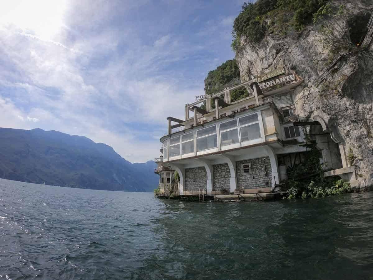 abandoned-hotel-lake-garda